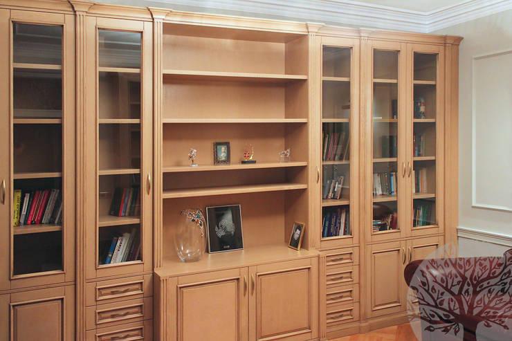 Кабинет из дуба: Рабочий кабинет  в . Автор – Lesomodul