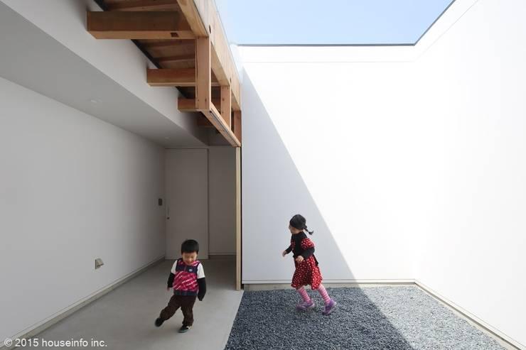 中庭: (株)ハウスインフォが手掛けた庭です。