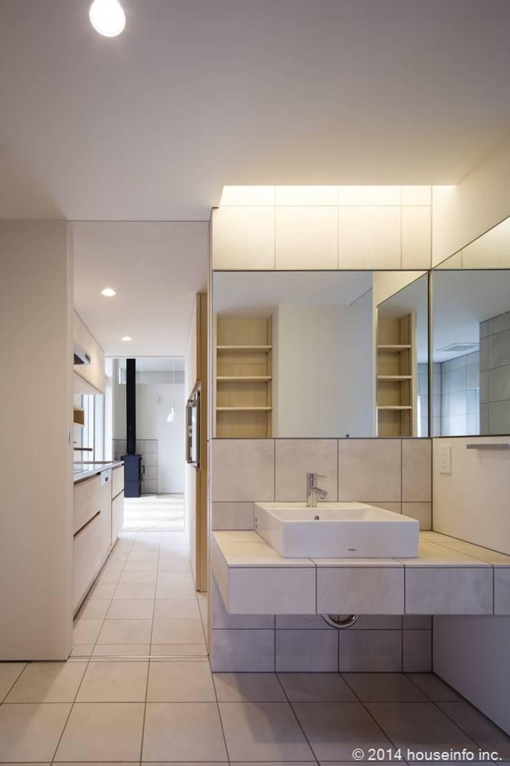 洗面所: (株)ハウスインフォが手掛けた浴室です。,