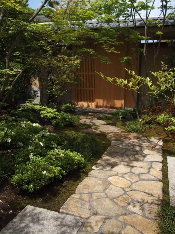 鎌倉小町の庭: NAYA設計室が手掛けた庭です。,オリジナル