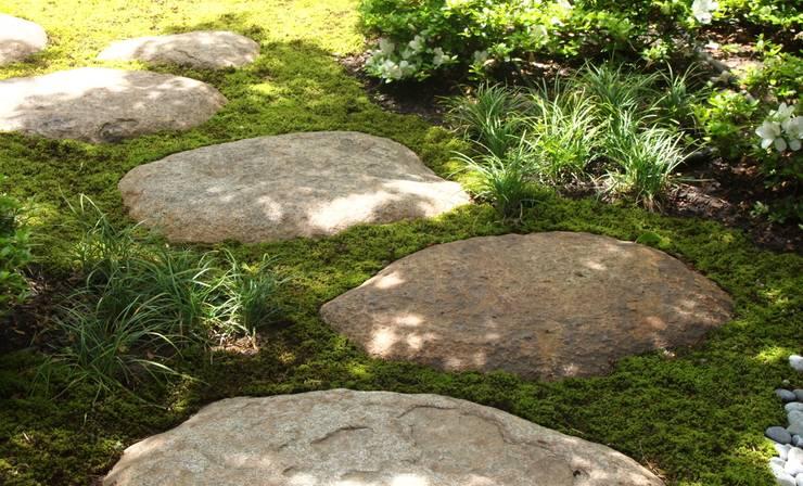 鎌倉小町の庭: NAYA設計室が手掛けた庭です。