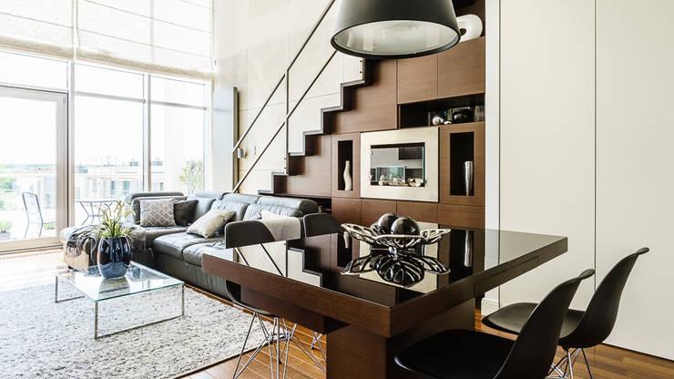 Livings de estilo  por Anna Serafin Architektura Wnętrz