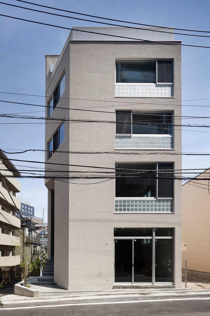 正面ファサード: HAN環境・建築設計事務所が手掛けた家です。,