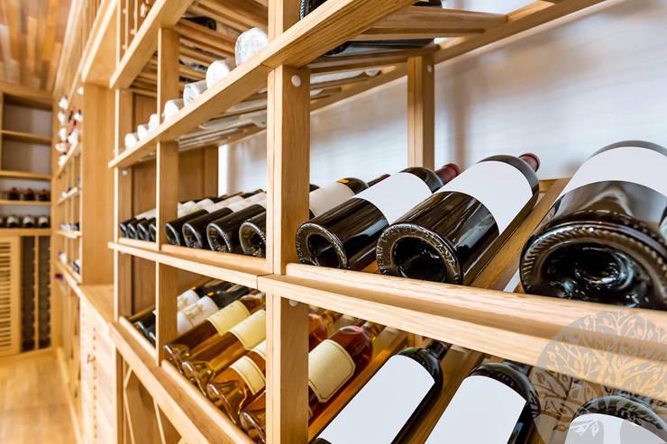 Bodegas de vino de estilo  por Lesomodul