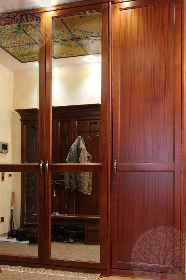 Эксклюзивные двери: Прихожая, коридор и лестницы в . Автор – Lesomodul