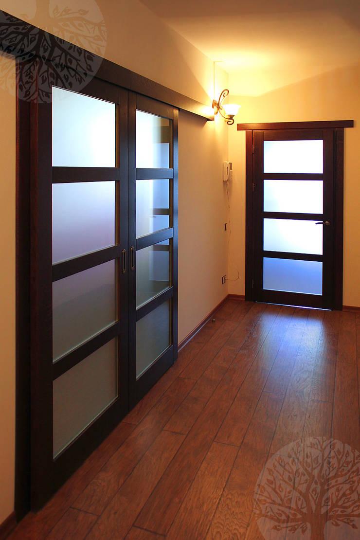 Лестница и мебель в интерьере: Окна и двери в . Автор – Lesomodul