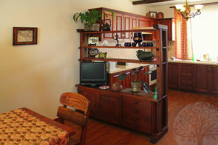Лестница и мебель в интерьере: Рабочий кабинет  в . Автор – Lesomodul