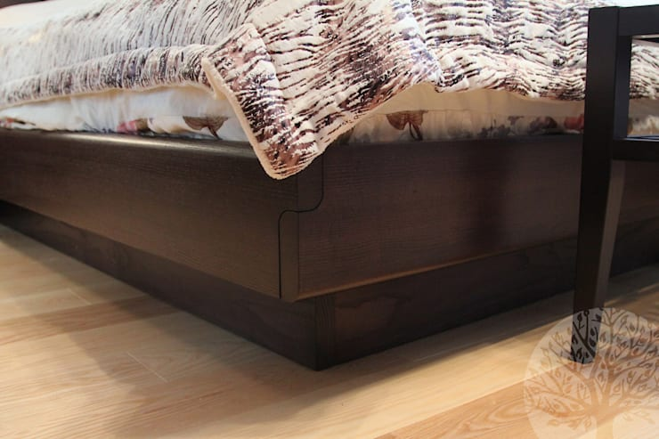 Спальня массив: Спальни в . Автор – Lesomodul
