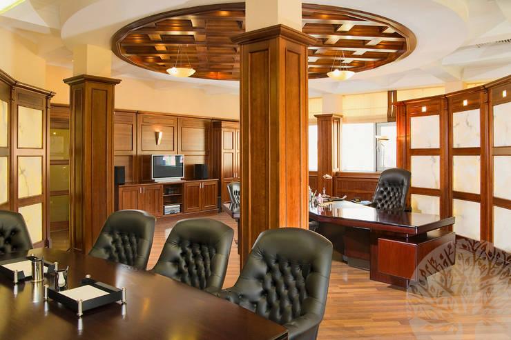 Отделка кабинета деревом: Рабочие кабинеты в . Автор – Lesomodul