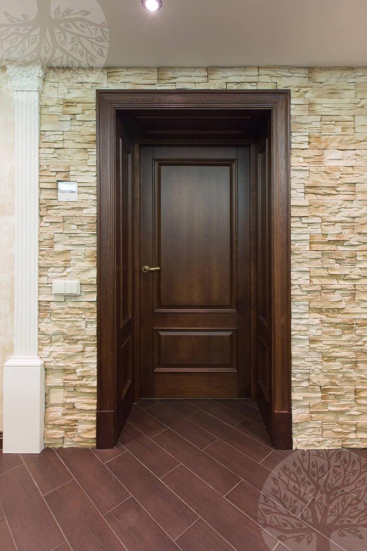 Двери из дуба в классическом интерьере: Окна и двери в . Автор – Lesomodul