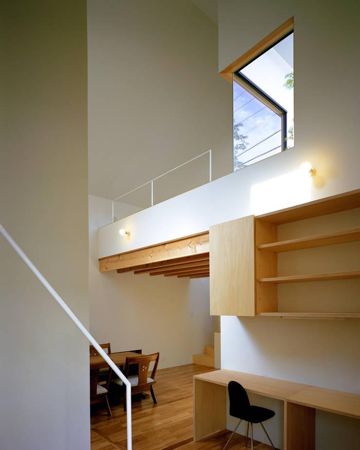 習志野台の家: シミズアトリエ 一級建築士事務所が手掛けたダイニングです。