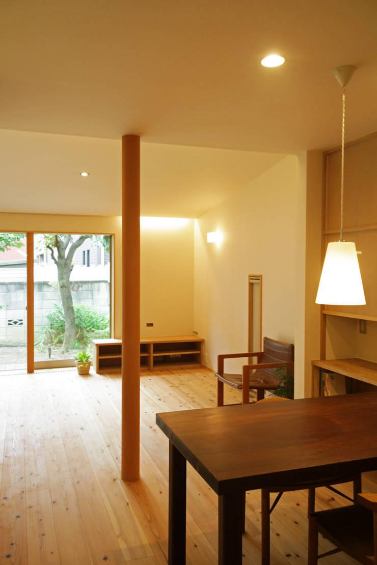 糀谷の家: 一級建築士事務所やしろ設計室が手掛けたダイニングです。