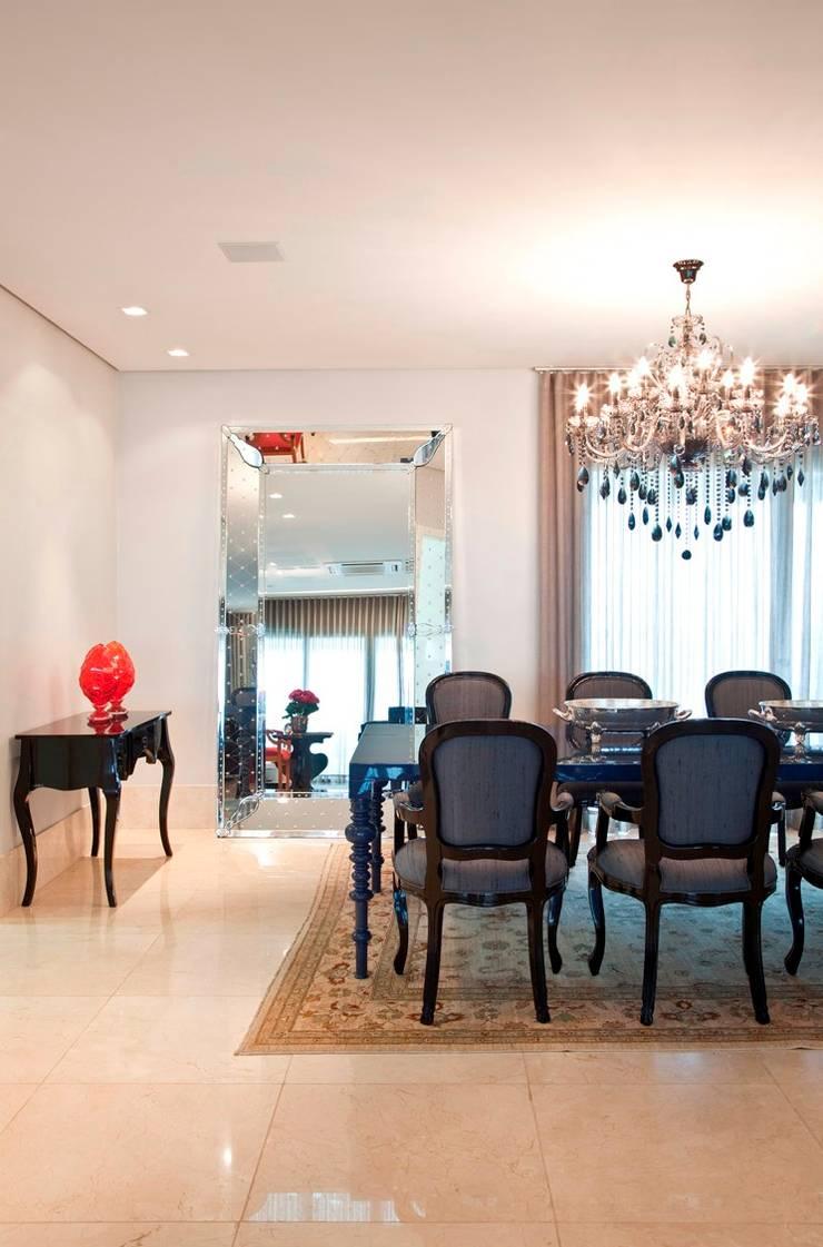Sala de Jantar: Salas de jantar  por Escritório de Arquitetura e Interiores Janete Chaoui