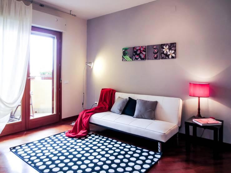 Sala de estar  por IF Irene Farina Home Stager