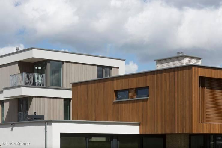 Villa's Gele Lis_04:  Huizen door HOYT architecten, Modern