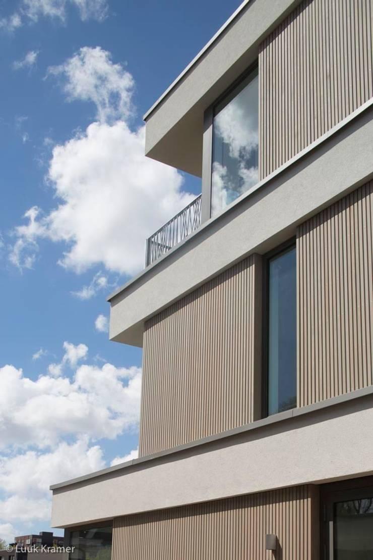 Villa's Gele Lis_06:  Huizen door HOYT architecten, Modern