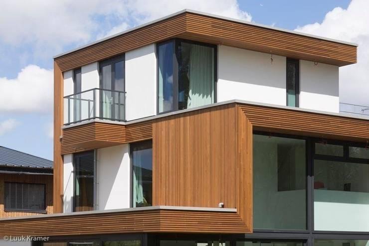 Villa's Gele Lis_01:  Huizen door HOYT architecten, Modern