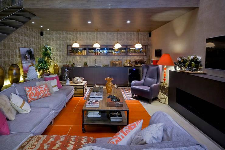 Loft Sustentável - Ambiente da Casa Cor SC  2015: Casa  por Studium Saut Arte & Interiores