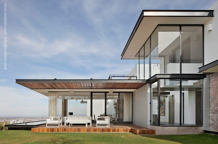 Modern home by BROISSIN Modern