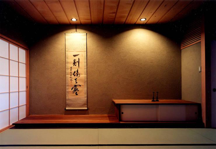 和室: 松井建築研究所が手掛けたリビングです。,