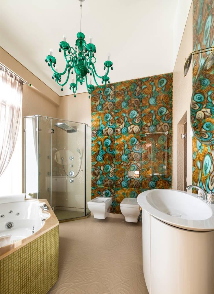 ванна:  в . Автор – Архитектурно-дизайнерское бюро Натальи Медведевой 'APRIORI design',