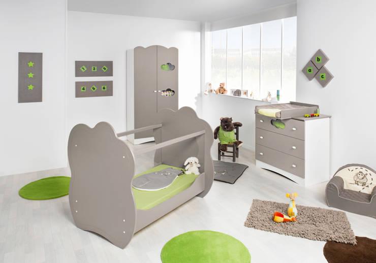 Dormitorio de bebé completo. Modelo ALTEA en color lino: Habitaciones infantiles de estilo  de Mobikids