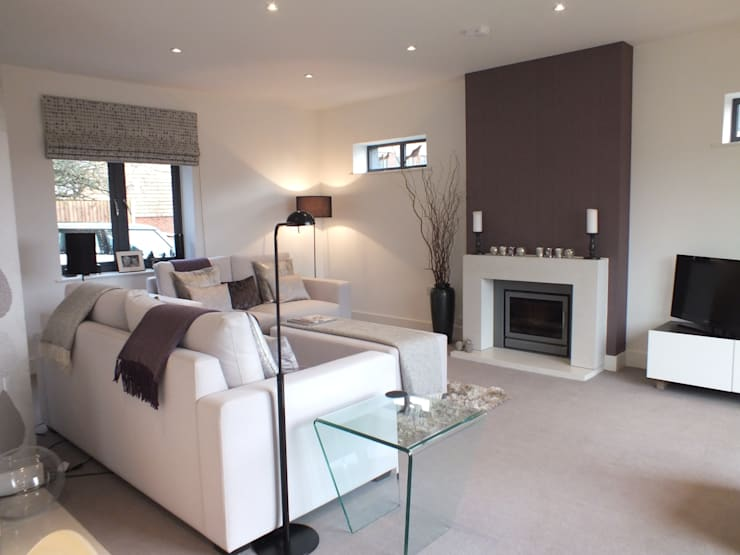 New build Hampshire UK:  Living room by At No 19