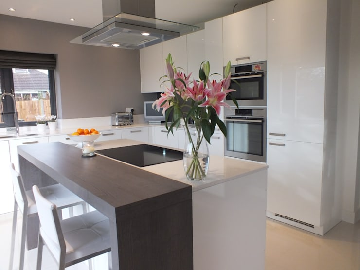 New build Hampshire UK:  Kitchen by At No 19
