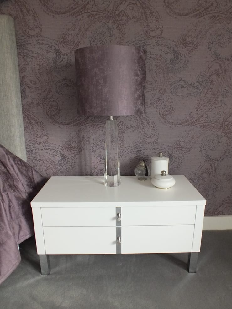 New build Hampshire UK:  Bedroom by At No 19