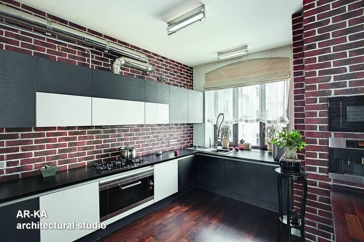 Модернизм в исторической среде: Кухни в . Автор – AR-KA architectural studio