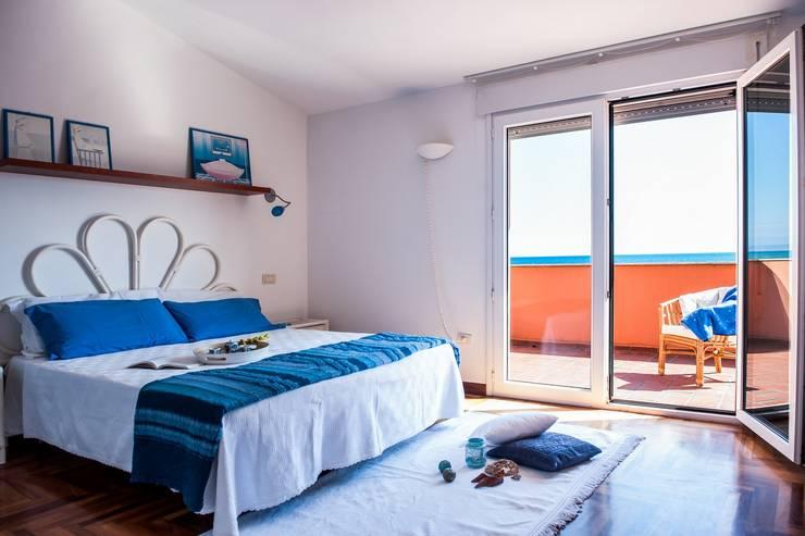 CAMERA DA LETTO - DOPO: Camera da letto in stile  di IF Irene Farina Home Stager