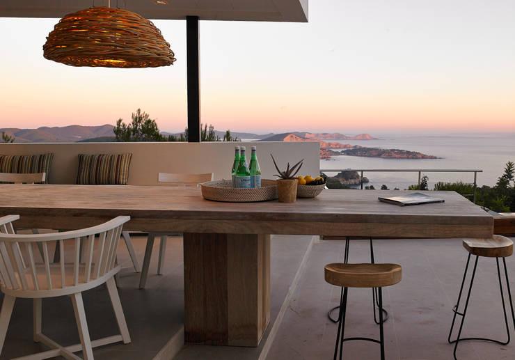 Casa Bernd: Casas de estilo  de Atlant de Vent