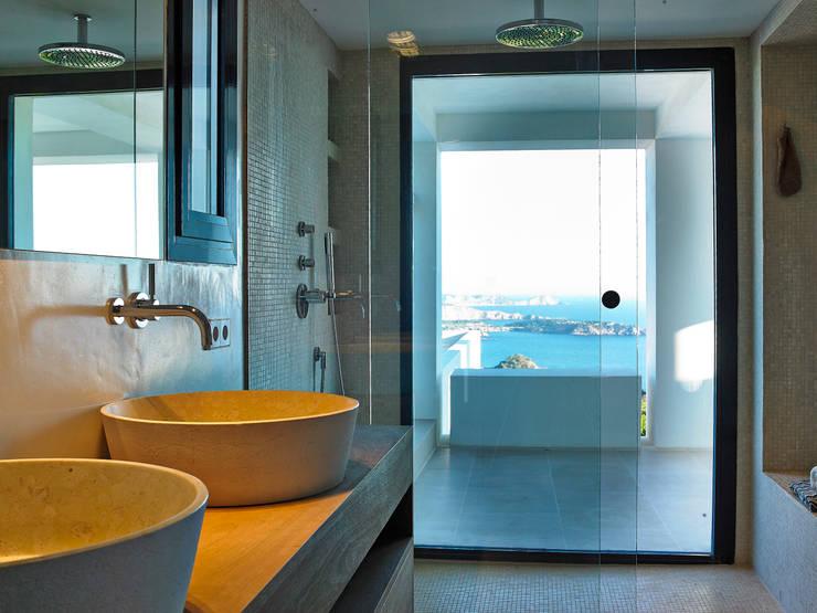 Casa Bernd: Baños de estilo mediterráneo de Atlant de Vent