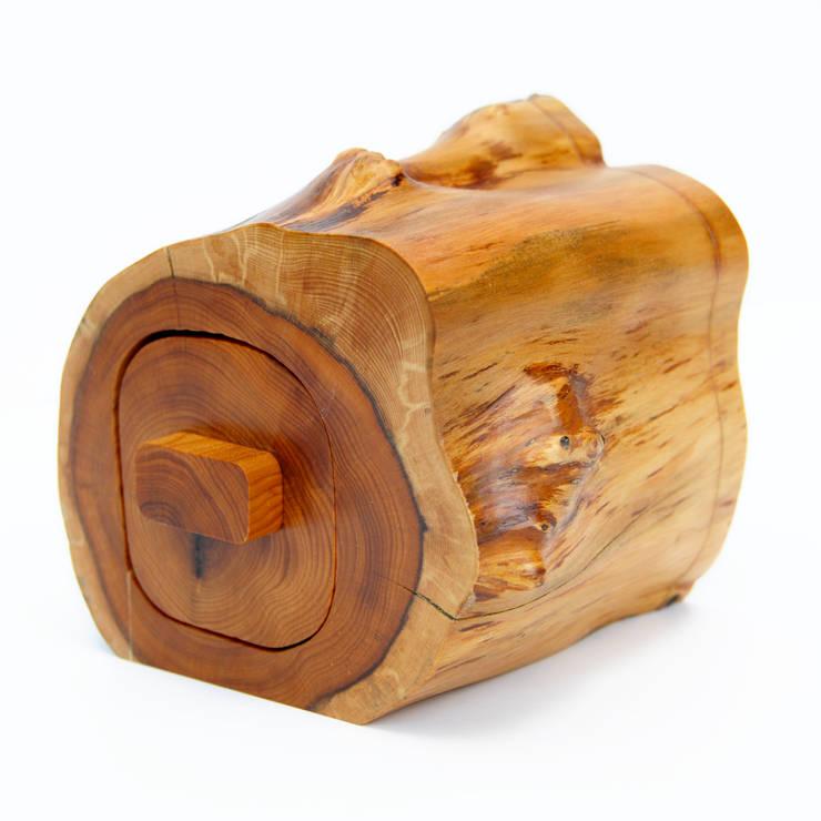rustikale Arbeitszimmer von Cairn Wood Design Ltd