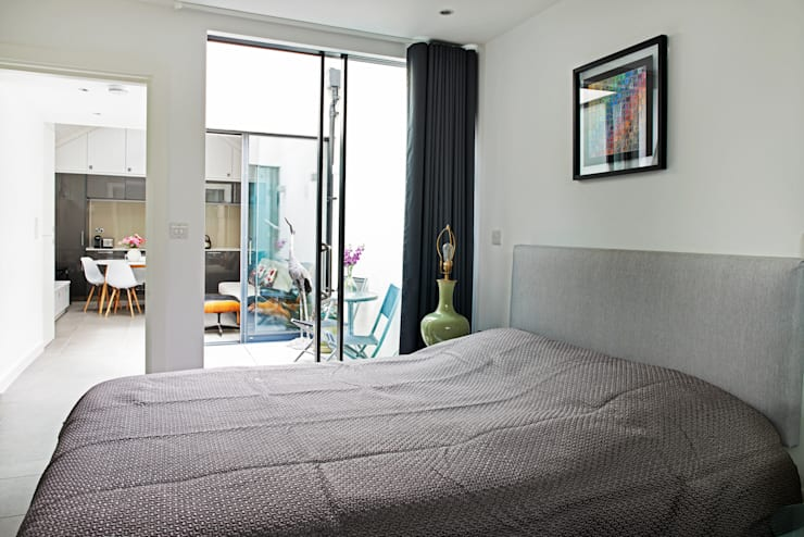 CIRCUS STREET, GREENWICH:  Bedroom by E2 Architecture + Interiors