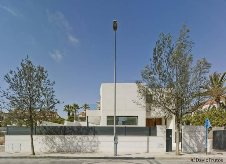 Casa Cabo: Casas de estilo moderno de Martin del Guayo
