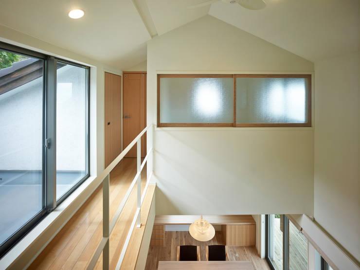 ISHIGAKI NO IE : 鶴巻デザイン室が手掛けた廊下 & 玄関です。