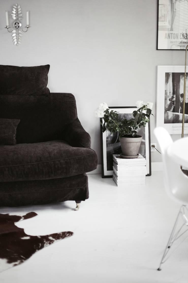 My work : styl , w kategorii Salon zaprojektowany przez FusionHouse