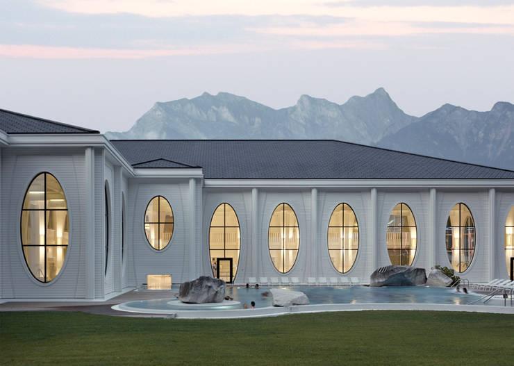 Outside view with existing pool:  Veranstaltungsorte von Smolenicky & Partner Architektur GmbH