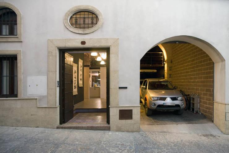 Fachada: Casas de estilo  de pxq arquitectos