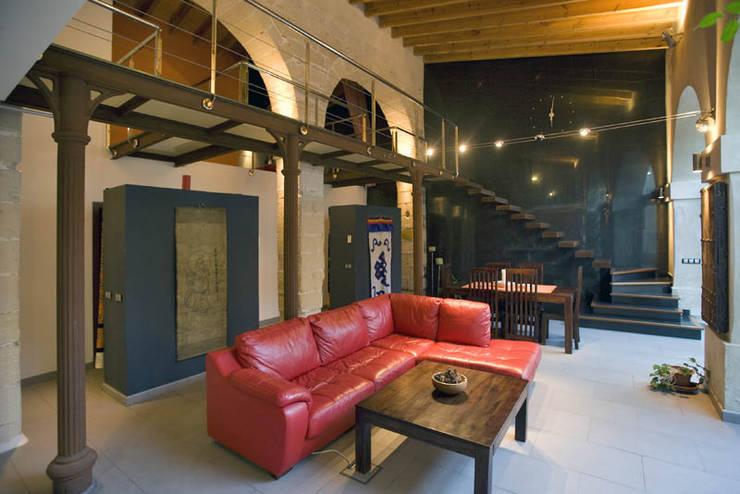 Salón-comedor: Salones de estilo  de pxq arquitectos