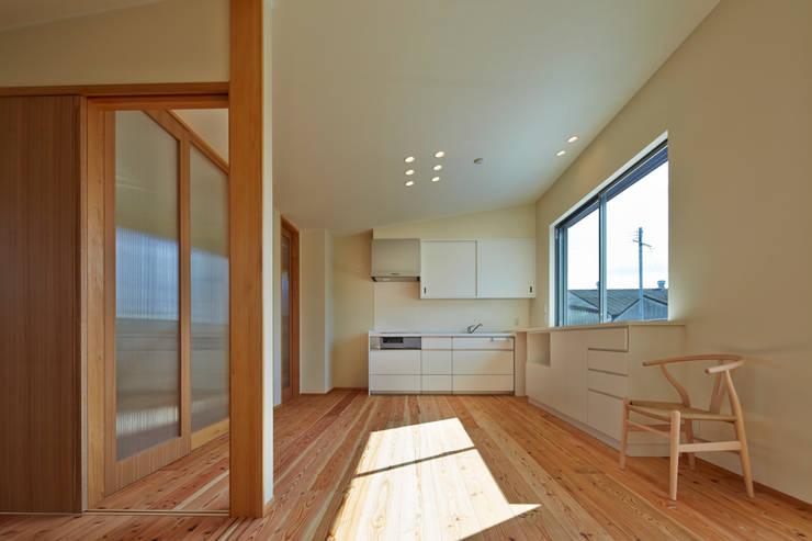 古枝の家: 鶴巻デザイン室が手掛けたキッチンです。