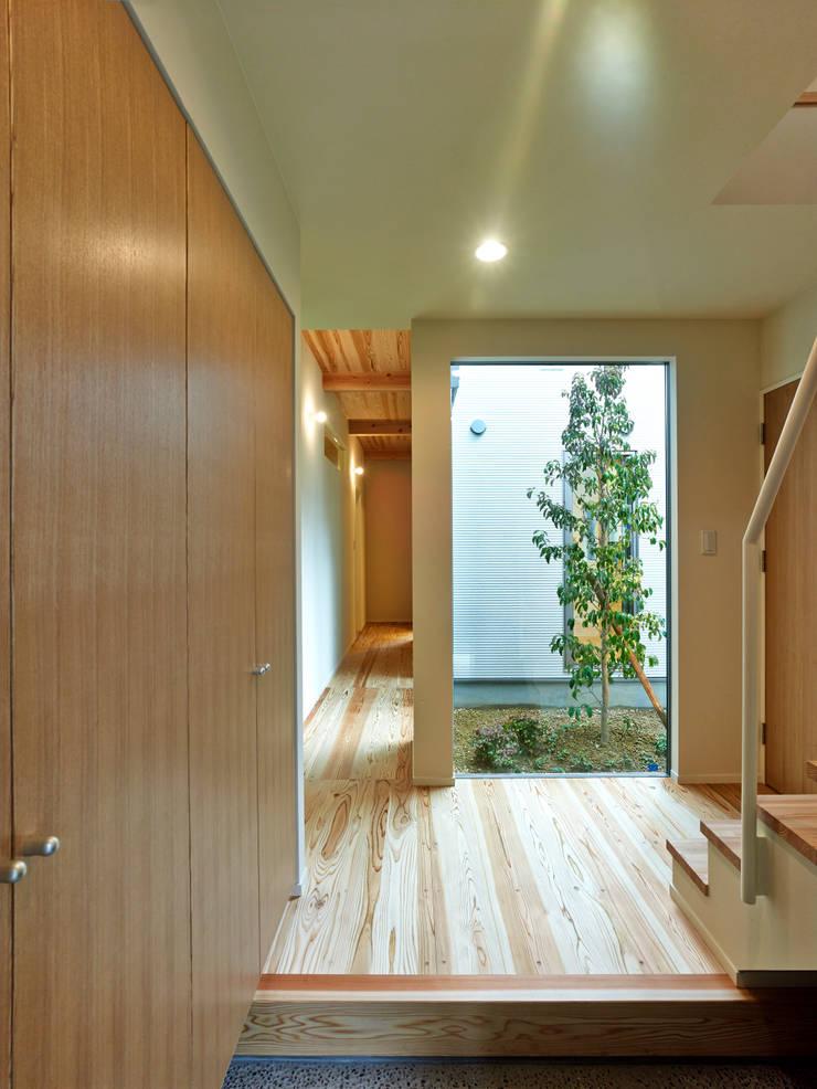 上町の家: 鶴巻デザイン室が手掛けた庭です。,