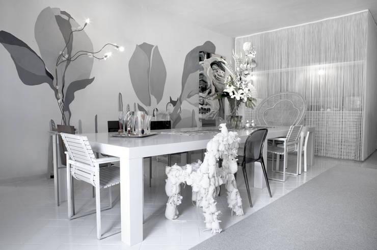 7047 Boutique Design Villa: Sala da pranzo in stile  di LDA.iMdA architetti associati
