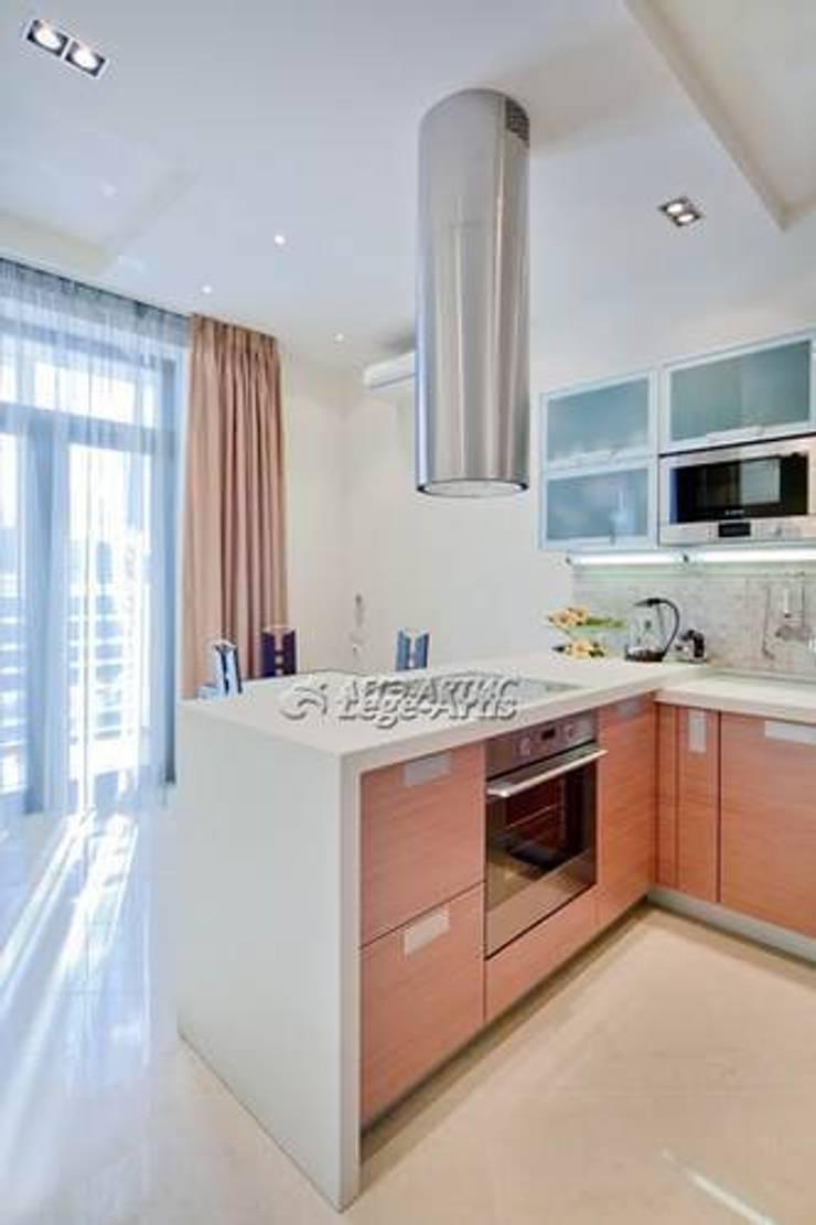 зона кухни:  в . Автор – Архитектурно-дизайнерское бюро Натальи Медведевой 'APRIORI design'
