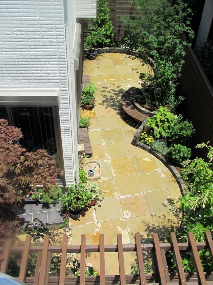 Garden by 空間工房 欅, Eclectic