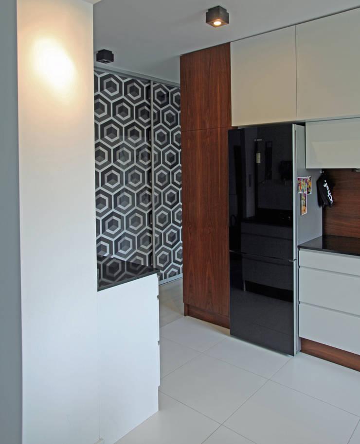kuchnia na parterze: styl , w kategorii Kuchnia zaprojektowany przez anyform