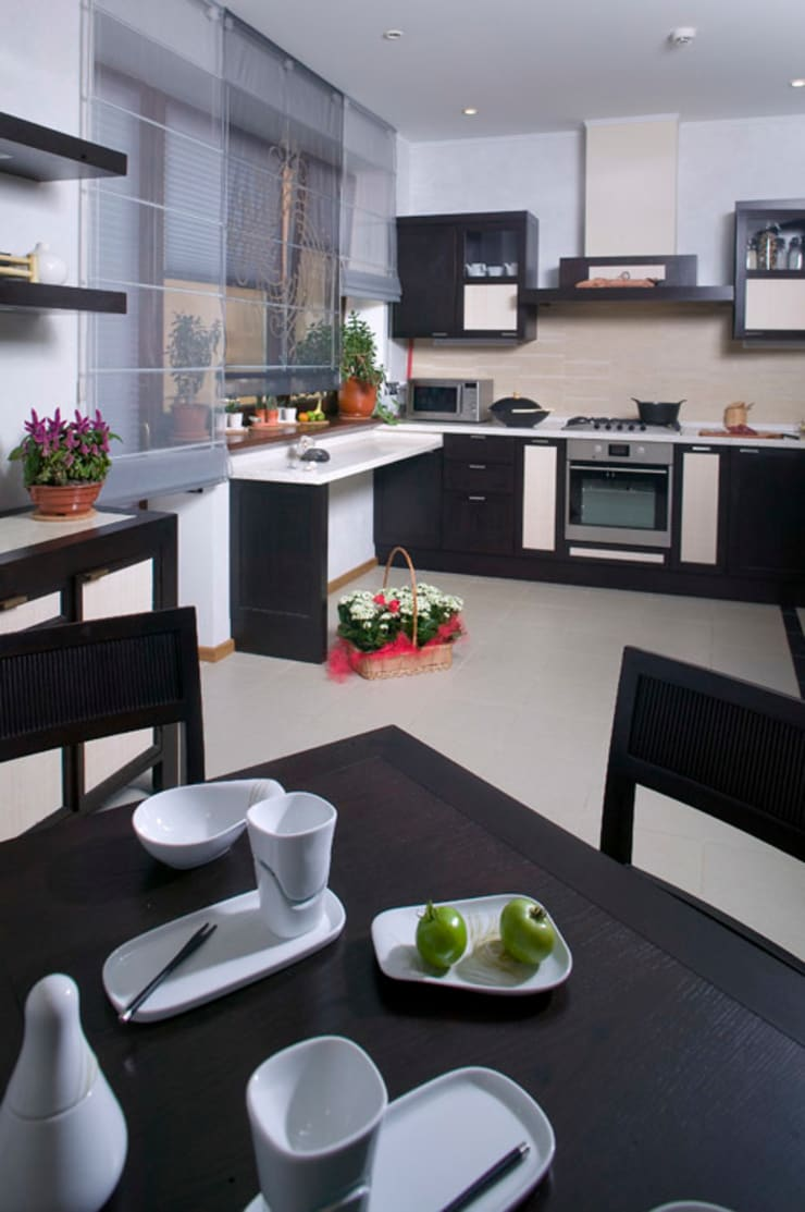 """Скандинавия"": Кухни в . Автор – дизайн-группа 'Лестница'"