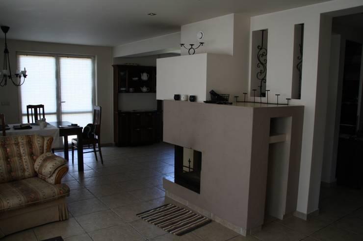 Dom wiejski: styl , w kategorii Salon zaprojektowany przez Art-Deko Pracownia Projektowa