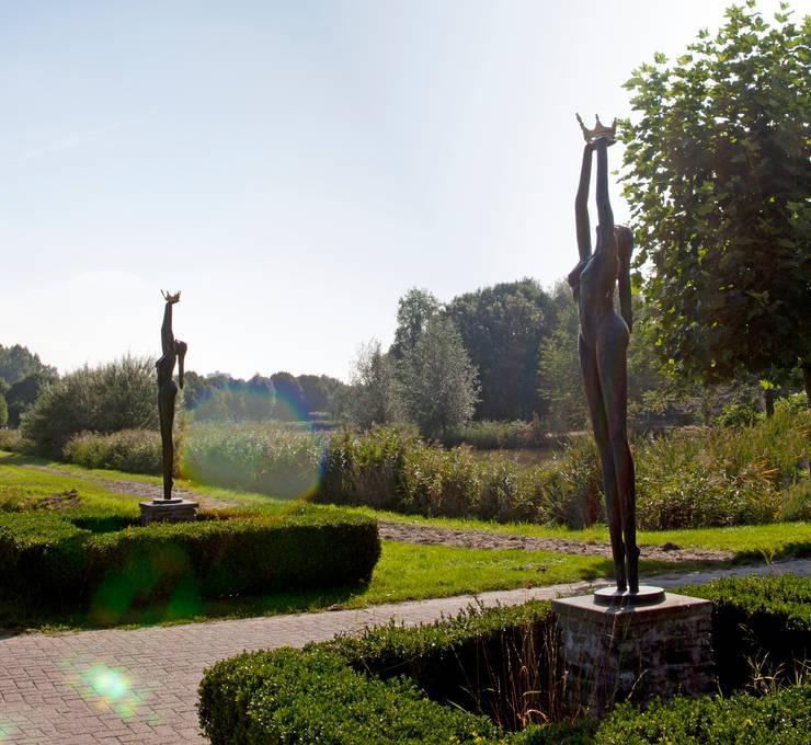 Marie fontaine:  Tuin door Artihove